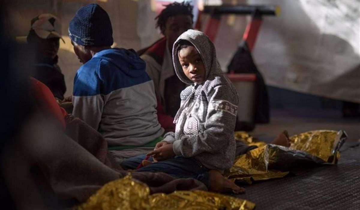 Procura dei minori di Catania: i minorenni a bordo della Sea Watch vanno sbarcati