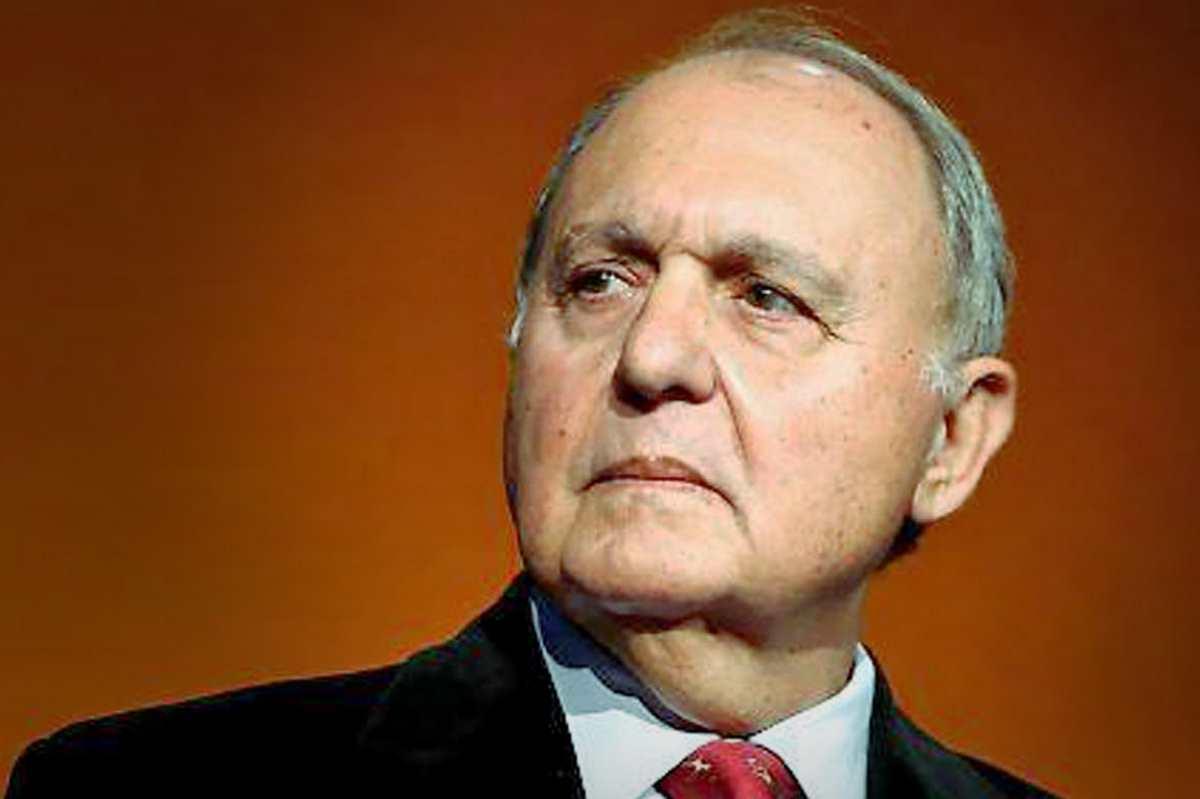 Savona presidente della Consob ma il Pd dice che è incompatibile con la nomina