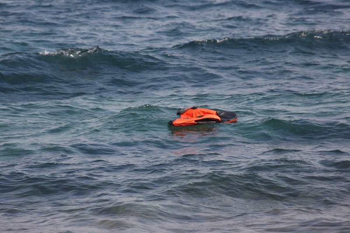 L'Italia chiama la Guardia costiera libica per soccorrere un barcone alla deriva nel Mediterraneo con 150 persone a bordo