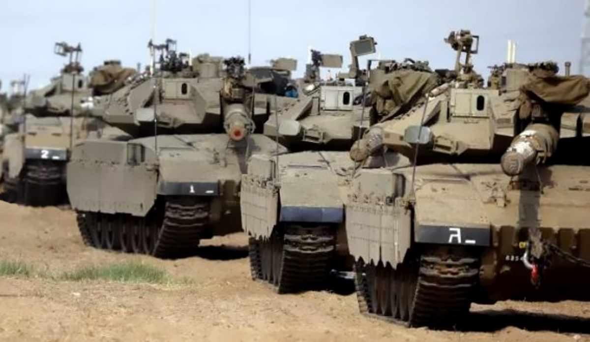Un missile distrugge un'abitazione nei pressi di Tel Aviv ed Israele avvia un attacco su larga scala su tutta la Striscia di Gaza