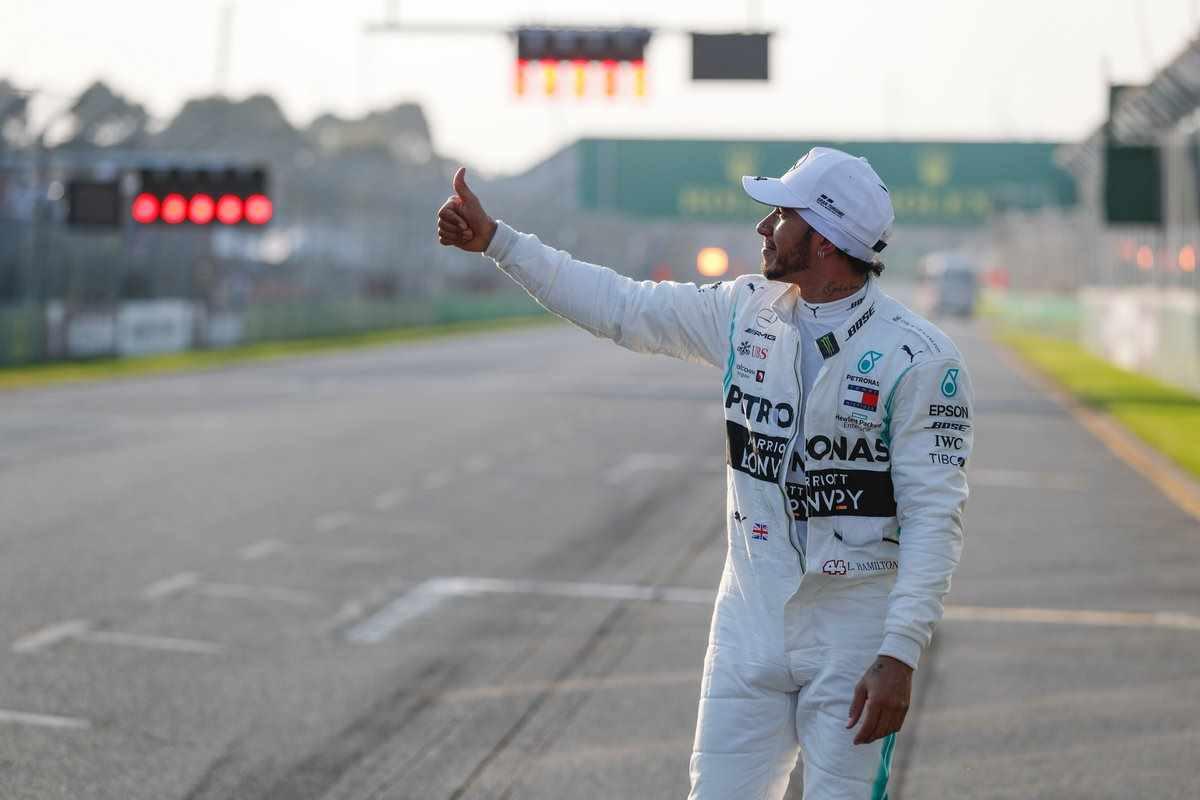 F1 2109, va alla Mercedes di Hamilton la prima pole della stagione nel GP d'Australia