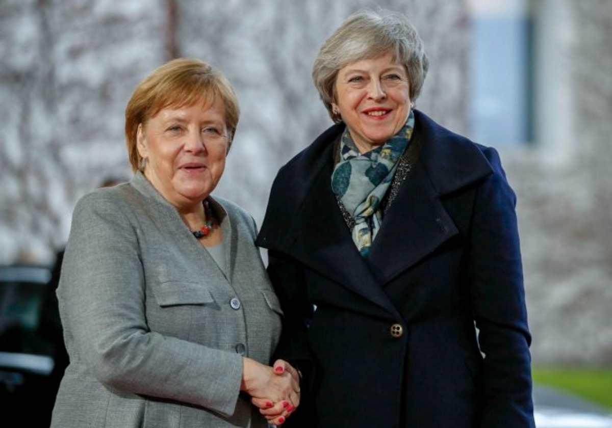 Theresa May incontra Merkel e Macron in vista del Consiglio europeo del 10 aprile
