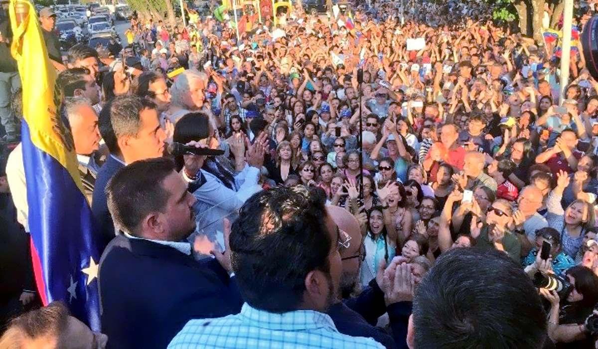 Pence annuncia nuove sanzioni contro il Venezuela alla vigilia della nuova manifestazione anti Maduro organizzata da Guaidó