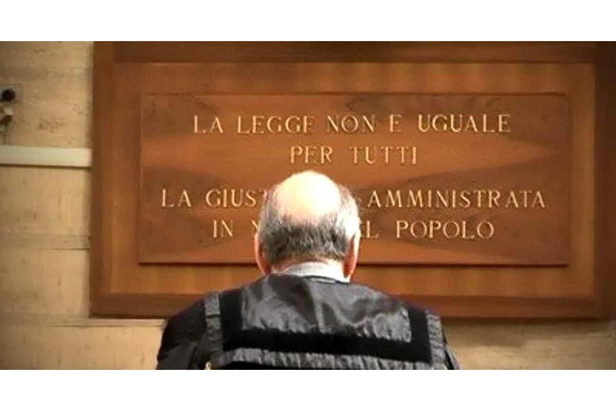 In Italia LA LEGGE NON E' UGUALE PER TUTTI