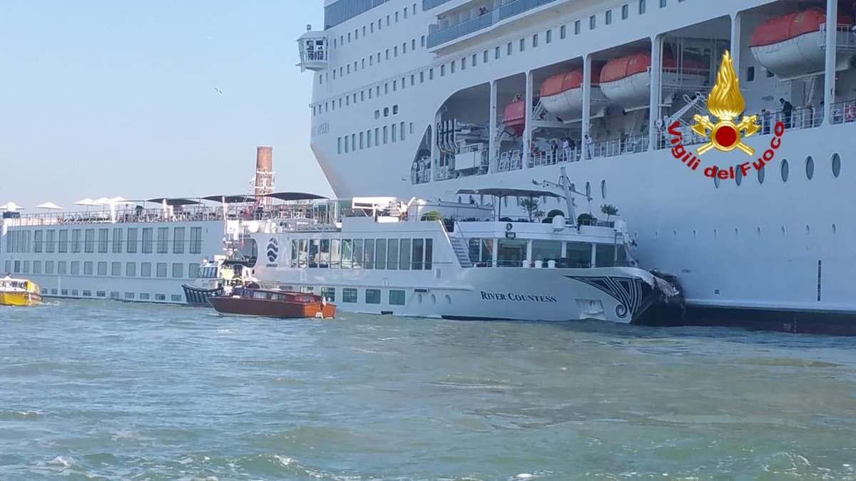 Anche le grandi navi a Venezia finiscono per essere un ulteriore elemento di scontro tra 5 Stelle e Lega