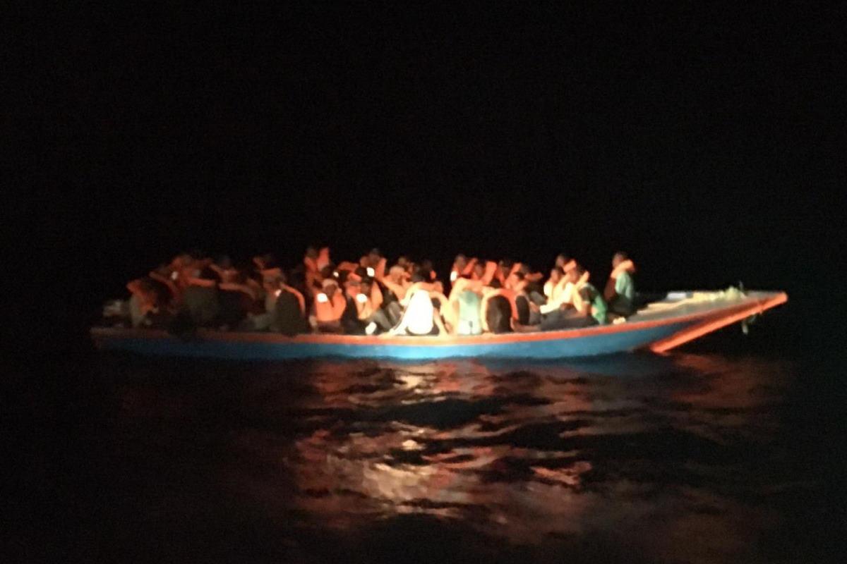 Naufragio vicino a Lampedusa con decine di dispersi, mentre la Open Arms salva 40 persone