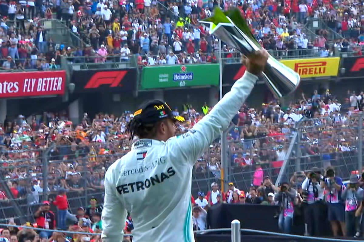 Formula 1, Hamilton vince in Messico ed è ormai ad un passo dal sesto titolo mondiale