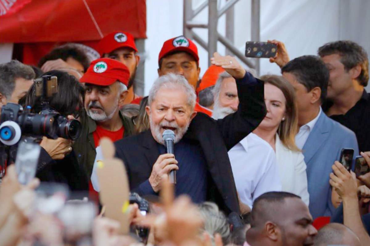 Lula è stato scarcerato e Bolsonaro inizia a preoccuparsi
