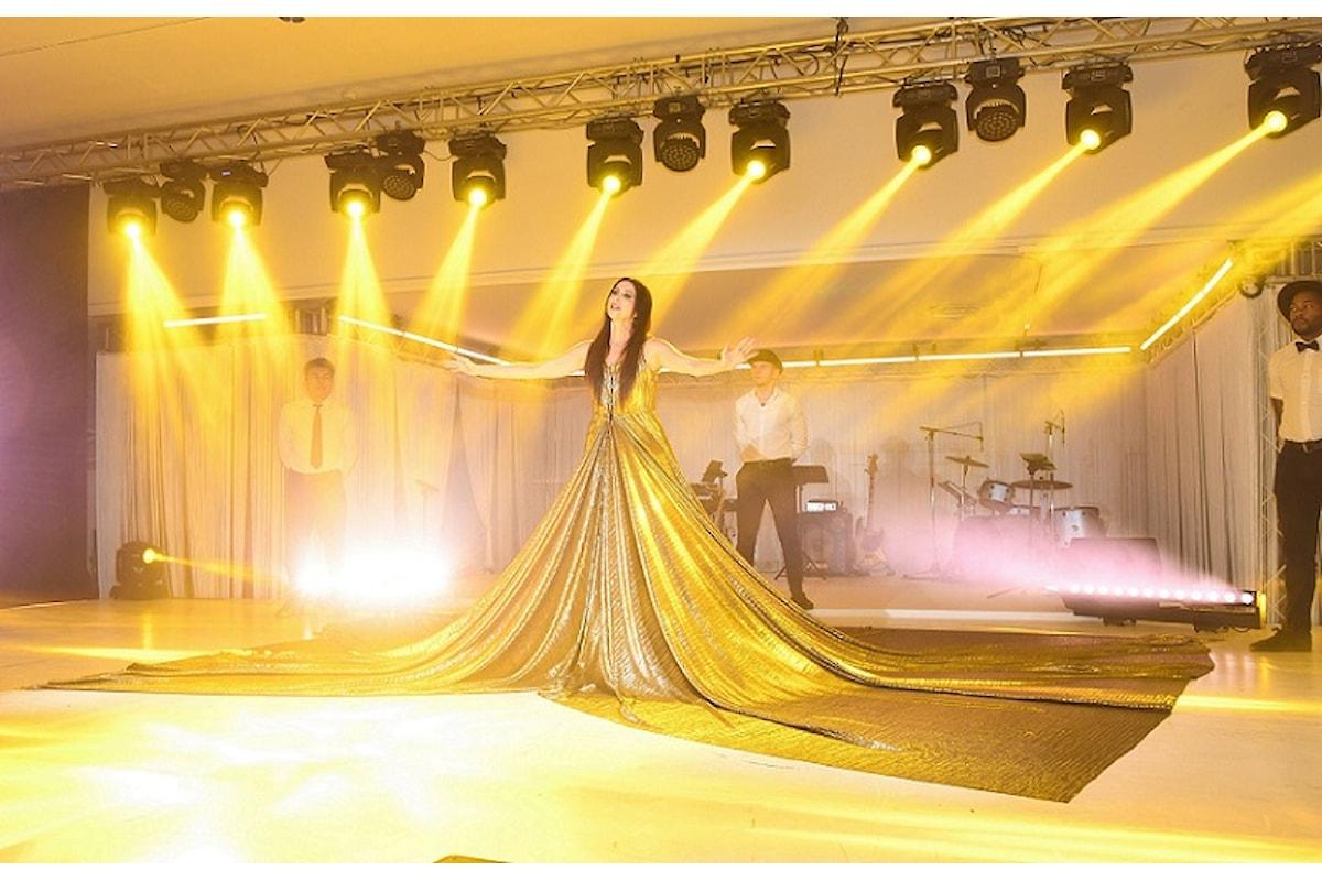 Fabiana Gabellini: oro e paillettes per Lorena Baricalla sul palcoscenico del 2019 Monaco WSLA