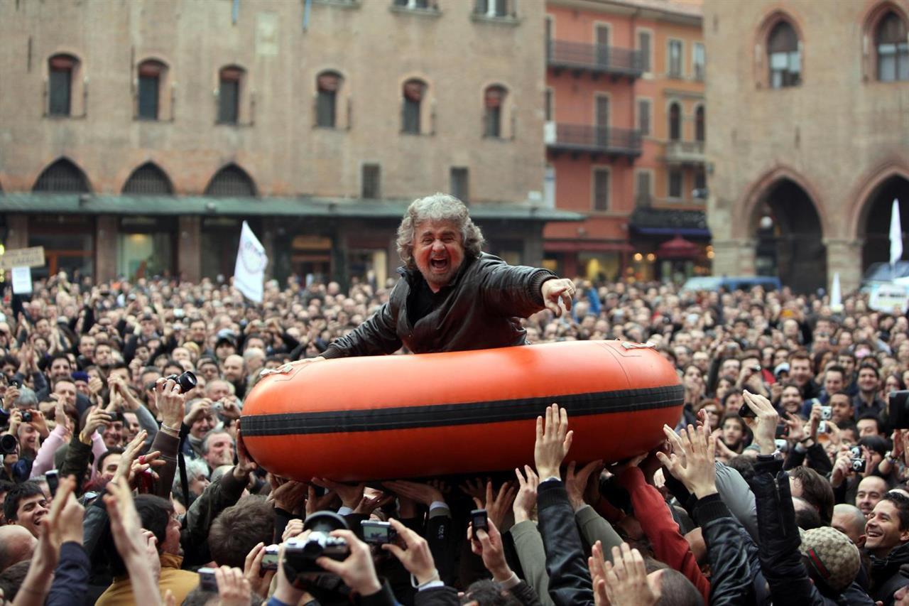 L'Italia è un paese che vuole sperare e sogna il diverso politico ecco perché fa diventare tonni le sardine e supernove le cinque stelle esplose e buie