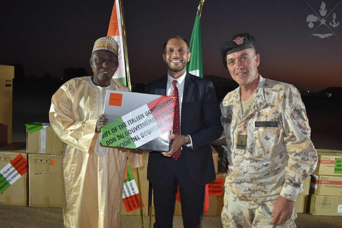 Niger, militari italiani donano apparecchiature mediche ai servizi sanitari delle forze armate locali