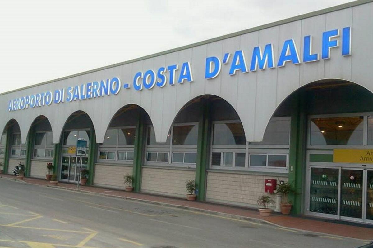Aeroporto di Salerno... non si può leggere: La Campania ha bisogno del Costa D'Amalfi e il cambiamento non è mai senza prezzo (da Il Mattino di Salerno)