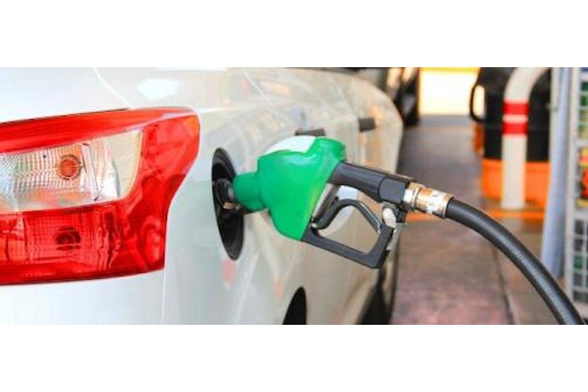 Chiusura benzinai: non ci sarà nessuno sciopero ma i gestori rischiano di rimanere senza liquidità