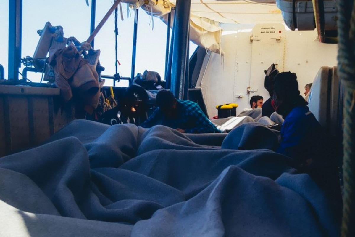 Incredibile: l'Italia dichiara di non essere più un PoS e chiude i porti ai migranti
