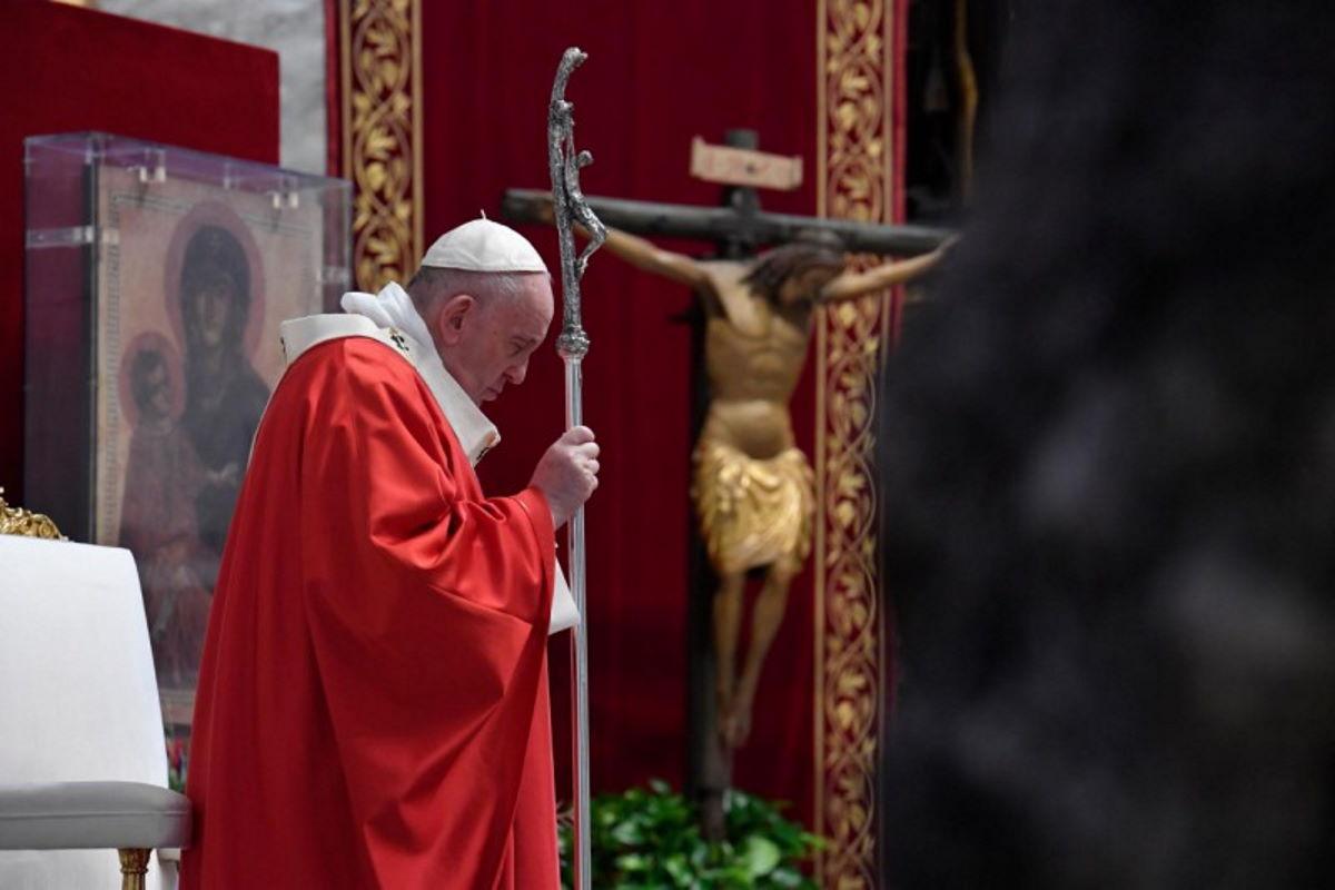 La vita non serve se non si serve: l'appello di Papa Francesco alla solidarietà in occasione della Domenica delle Palme