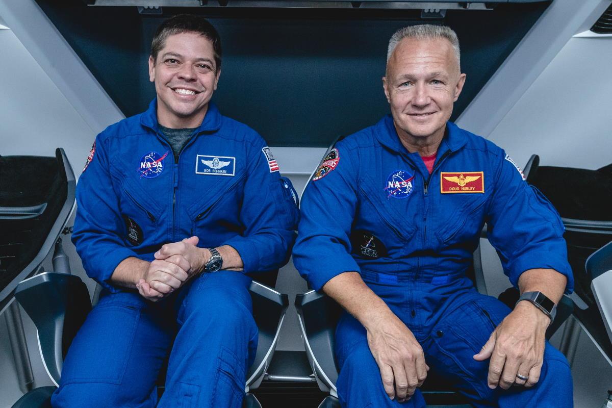 La Nasa ha dato l'ok a SpaceX per portare dopo 10 anni degli astronauti americani nello spazio