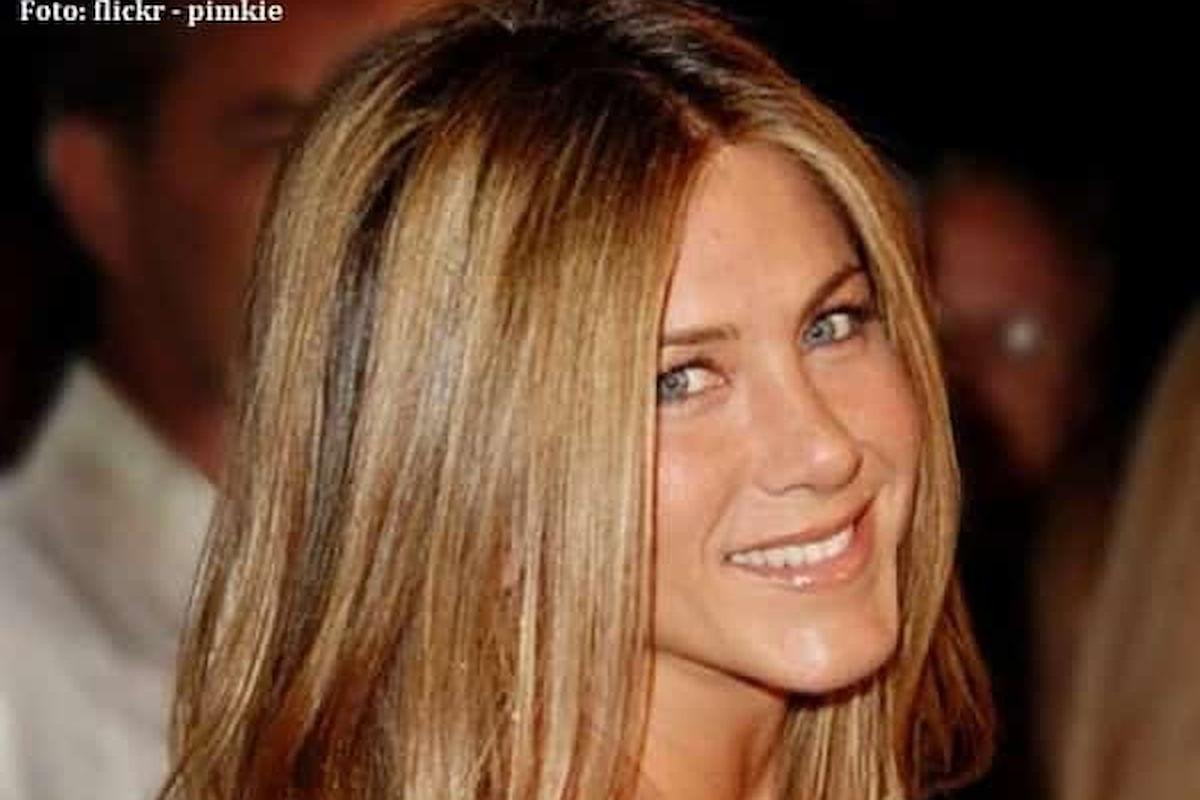 Jennifer Aniston dona 1 milione di dollari per la lotta al razzismo
