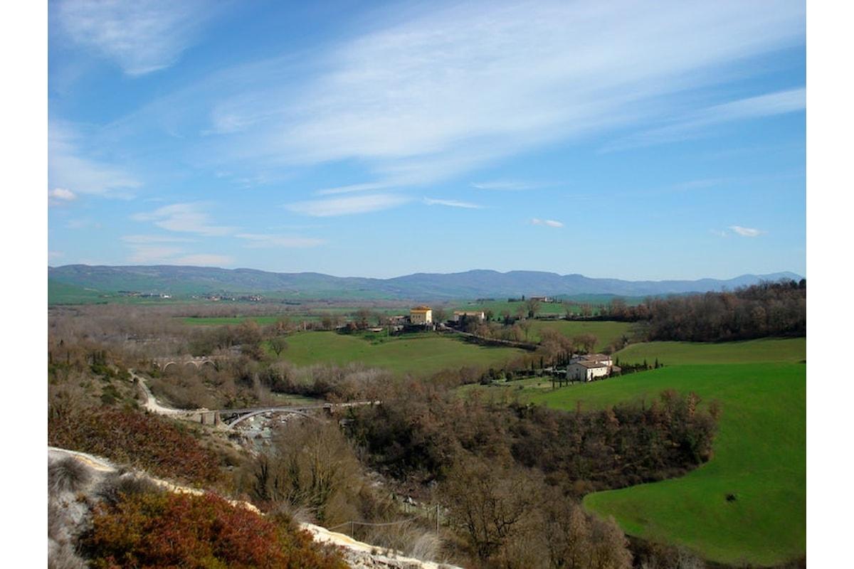 Alla scoperta delle bellezze d'Italia arriva pedalando in Val D'Orcia
