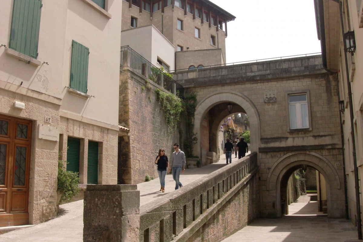 "San Marino: ""Lontana dai luoghi comuni, vicina a te"""