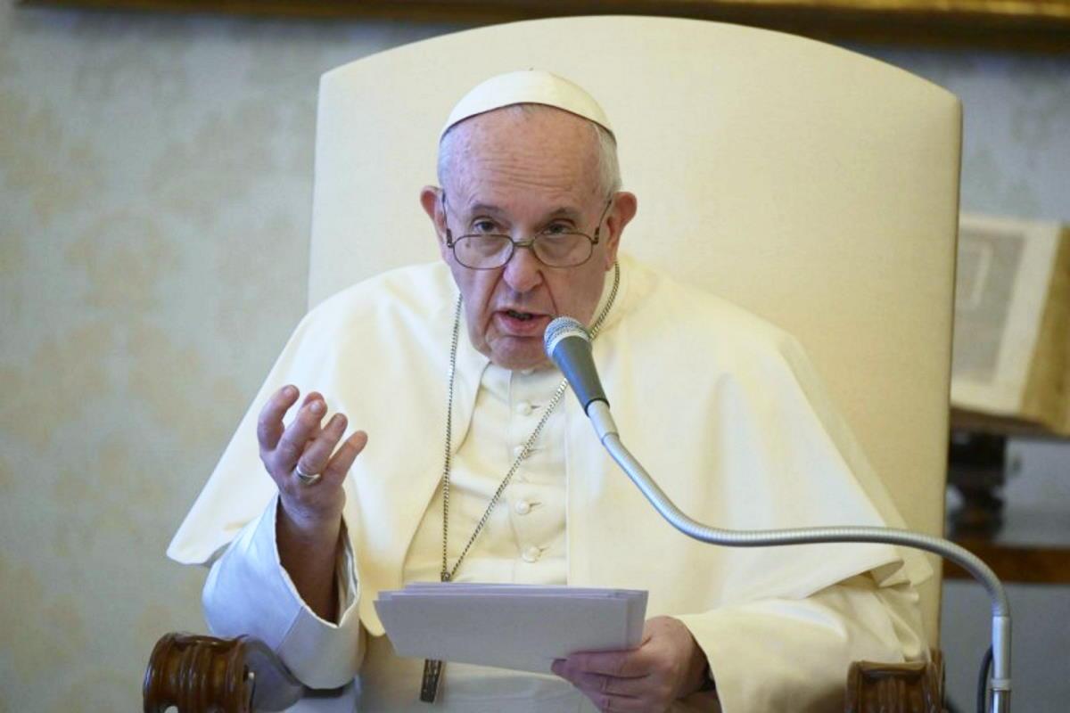 Il Papa ricorda che il primo socialista è stato Gesù: «Sarebbe triste se nel vaccino per il Covid-19 si desse la priorità ai più ricchi!»