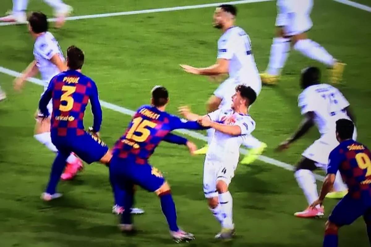 Il Barcellona elimina il Napoli dalla Champions... con l'aiuto del Var