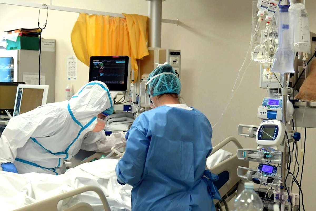 Covid al 26 agosto: 1.367 nuovi casi di contagio e 13 morti