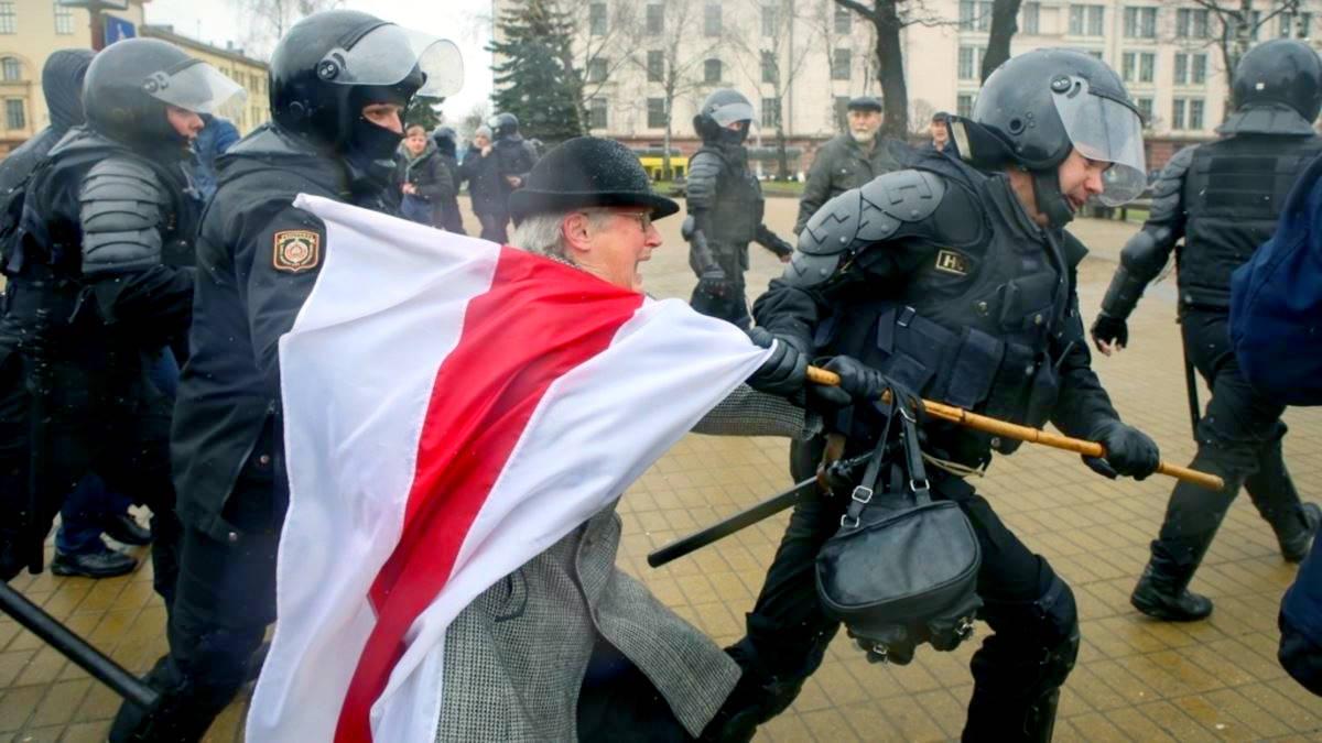 E in Bielorussia adesso arrestano pure le nonne