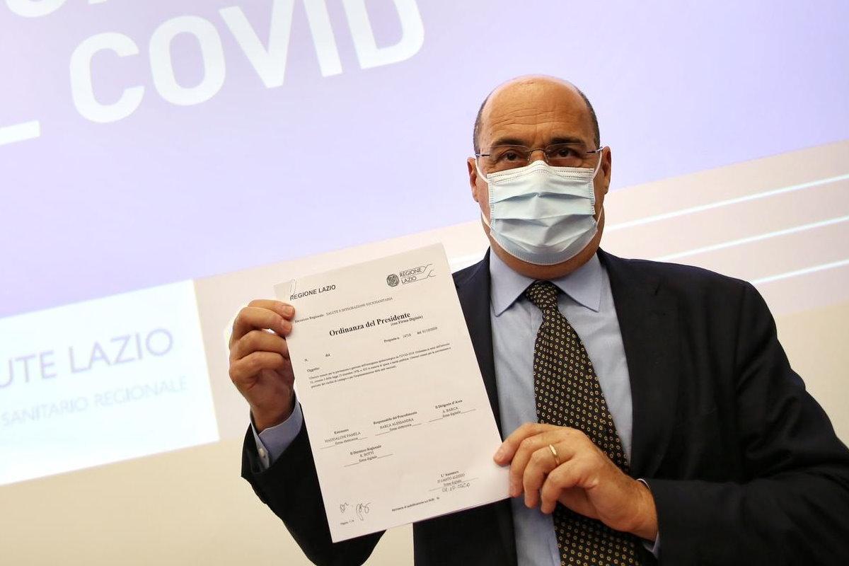 Anche nel Lazio diventa obbligatorio far uso di mascherine all'aperto
