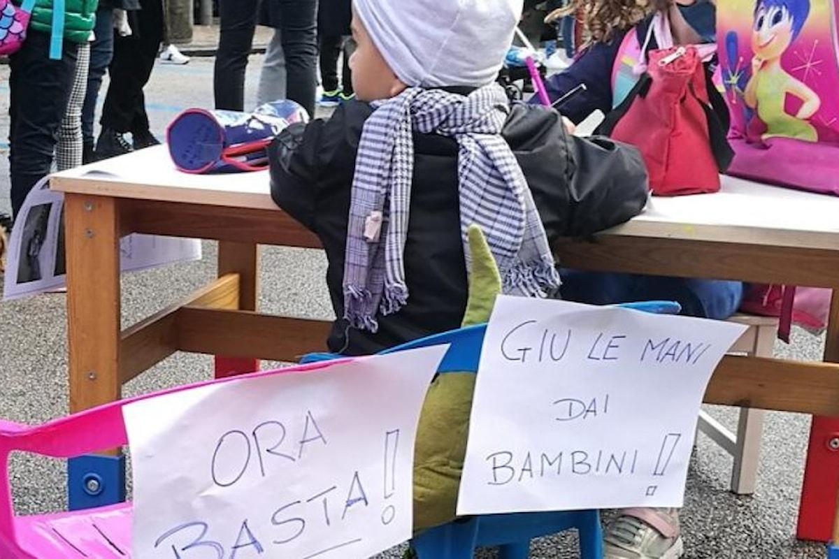 Salerno: genitori davanti la Prefettura a rivendicare il diritto allo studio