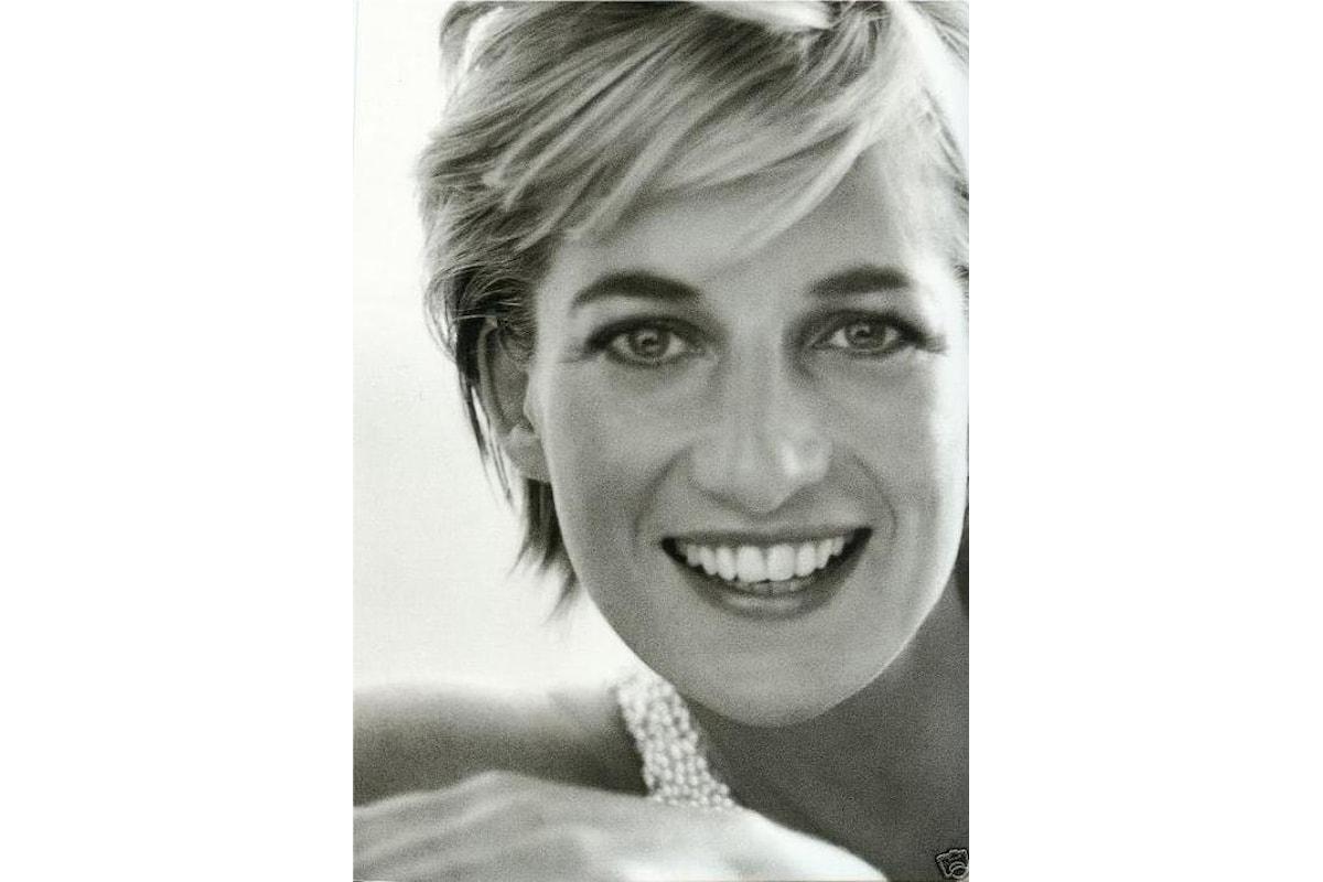 Il ritorno di Lady Diana, il figlio William e la BBC commissionano un inchiesta per fare chiarezza: la perenne ipocrisia e le contraddizioni di Buckingham Palace