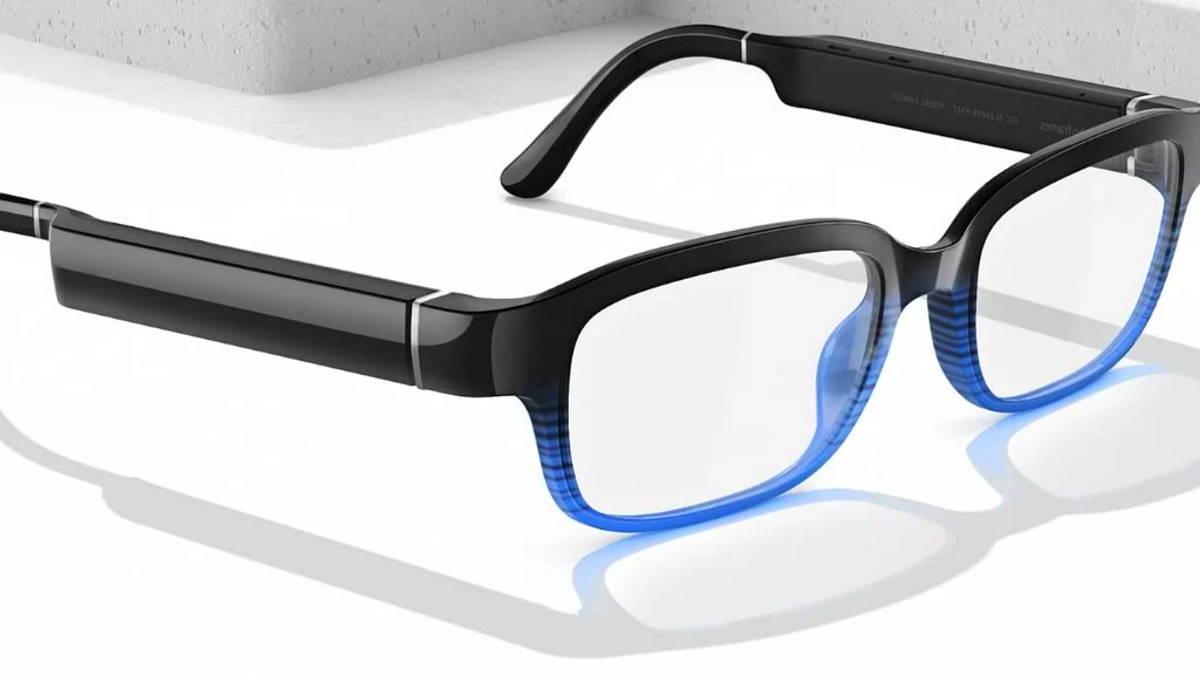 Echo Frames, gli occhiali intelligenti smart di Amazon ora disponibili negli Usa a 250 dollari.