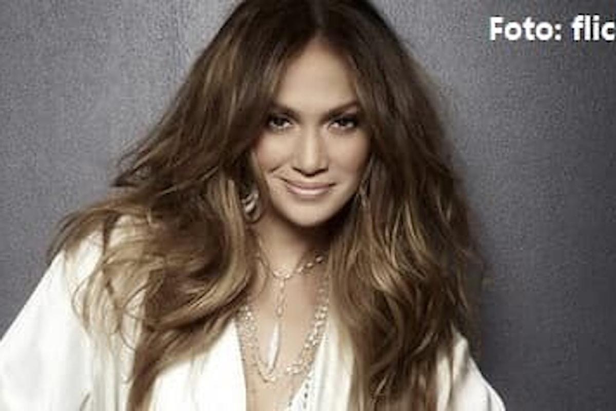 Jennifer Lopez celebra l'uscita del suo nuovo singolo con una festa da ballo virtuale (VIDEO)