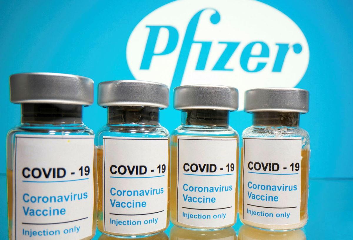 Pfizer annuncia che diminuirà il numero di vaccini destinati all'Europa: in Italia il 29% in meno