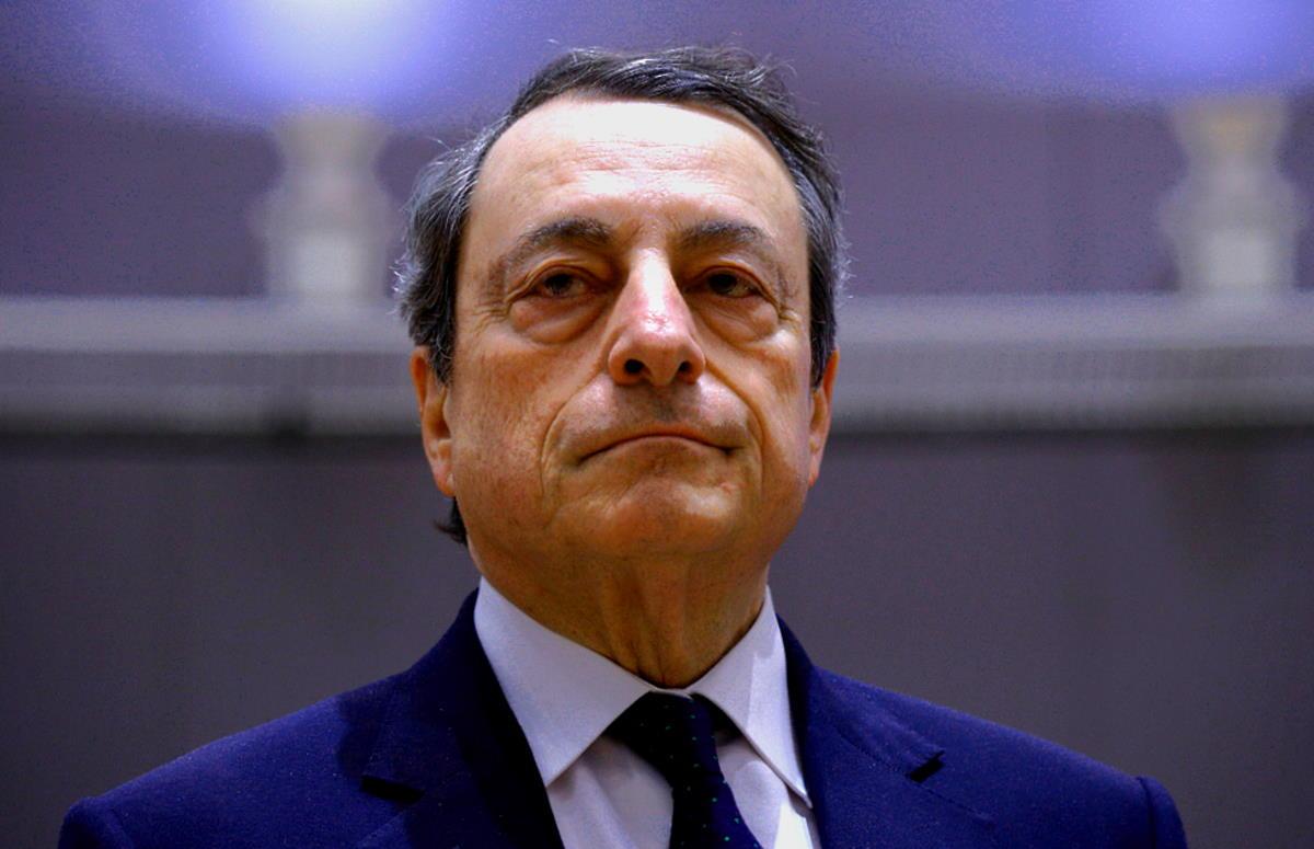 Renzi è riuscito a far affidare l'incarico di formare un nuovo governo a Mario Draghi, che rischia però di non avere i numeri