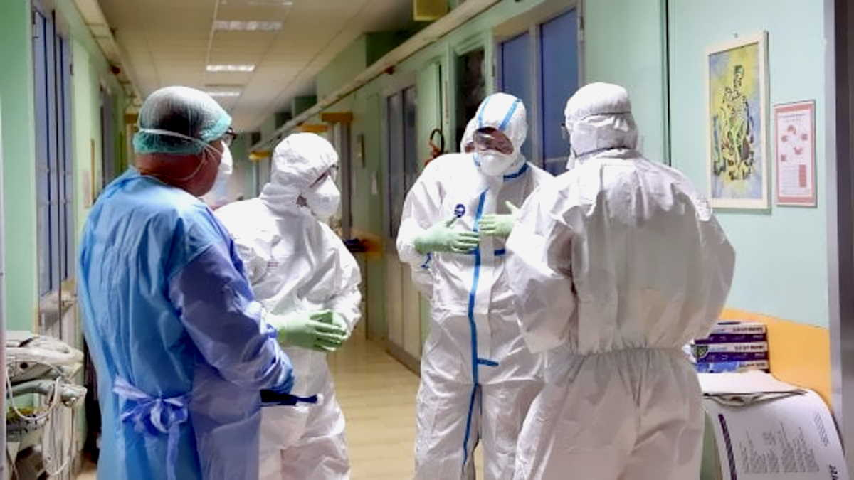 Covid: 306 i medici FNOMCeO morti dall'inizio della pandemia