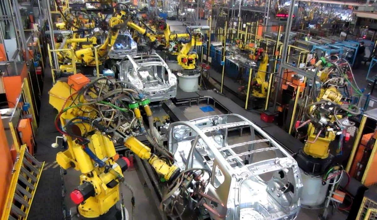 Istat, in calo la produzione industriale a dicembre 2020