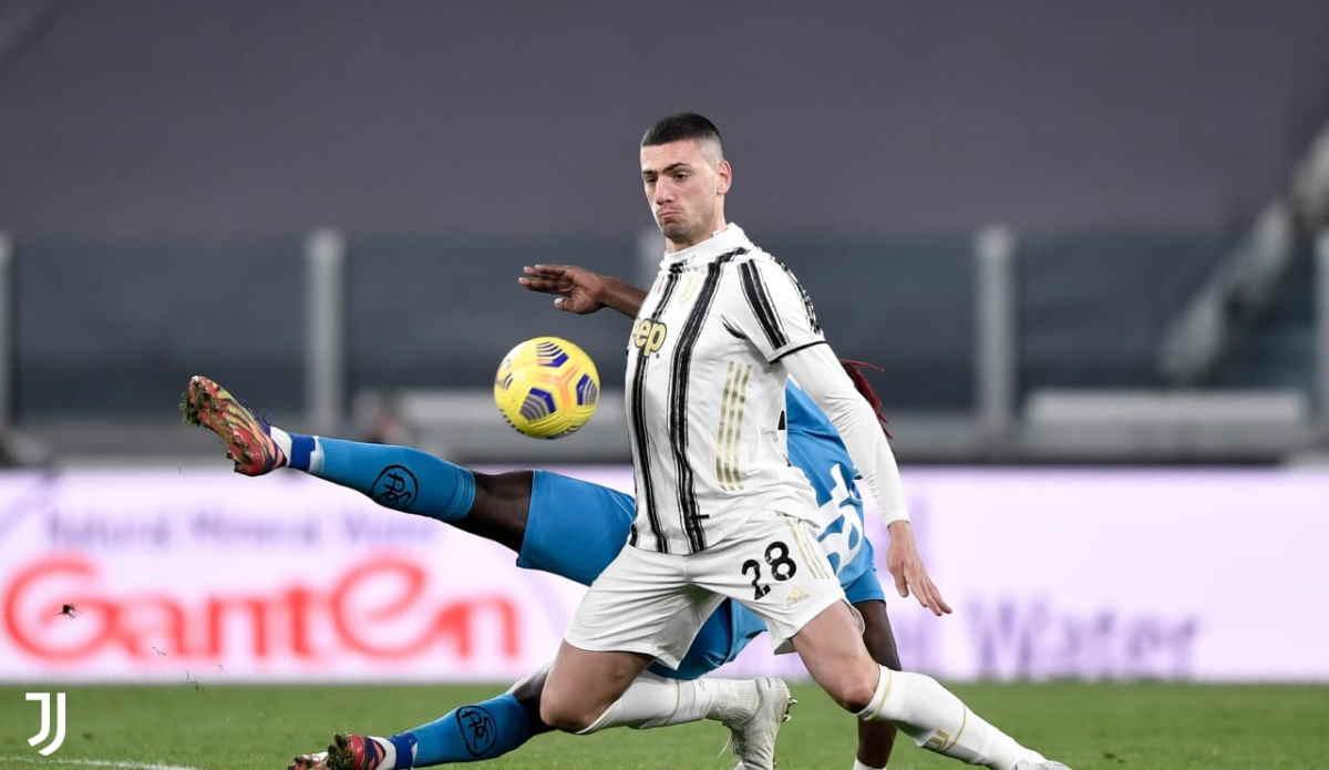 Con il 3-0 allo Spezia la Juventus si porta a -3 dal Milan e a -7 dall'Inter