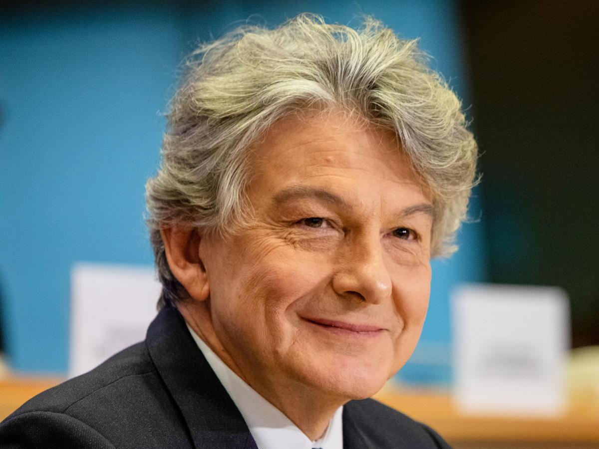 Secondo Thierry Breton, il commissario Ue responsabile dei vaccini, l'Europa non avrà bisogno dello Sputnik