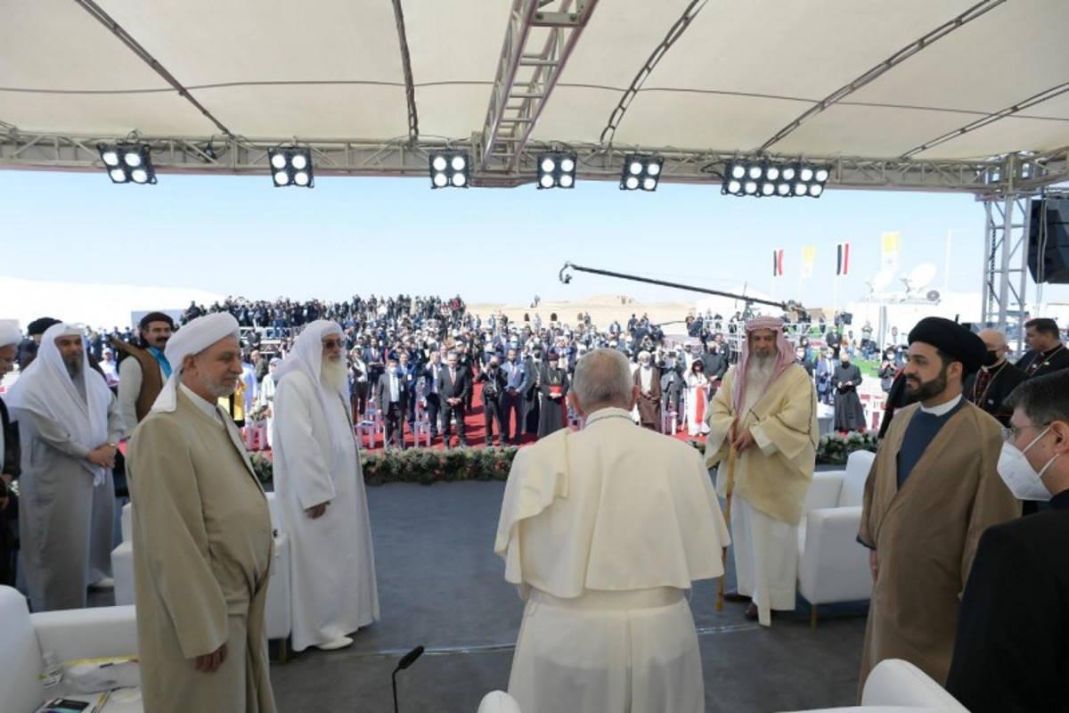 Francesco in Iraq visita il leader degli sciiti e poi va ad Ur nella terra di Abramo per parlare di pace