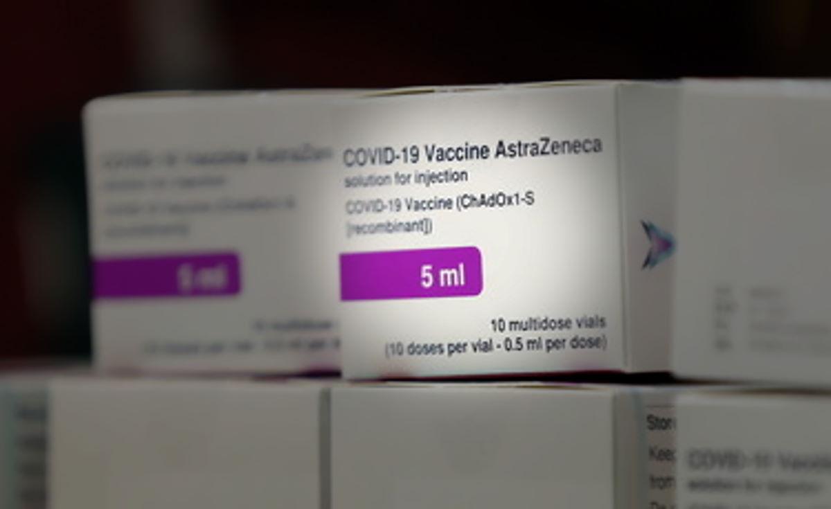 Il Vaccino AstraZeneca cambia nome in Vaxzevria