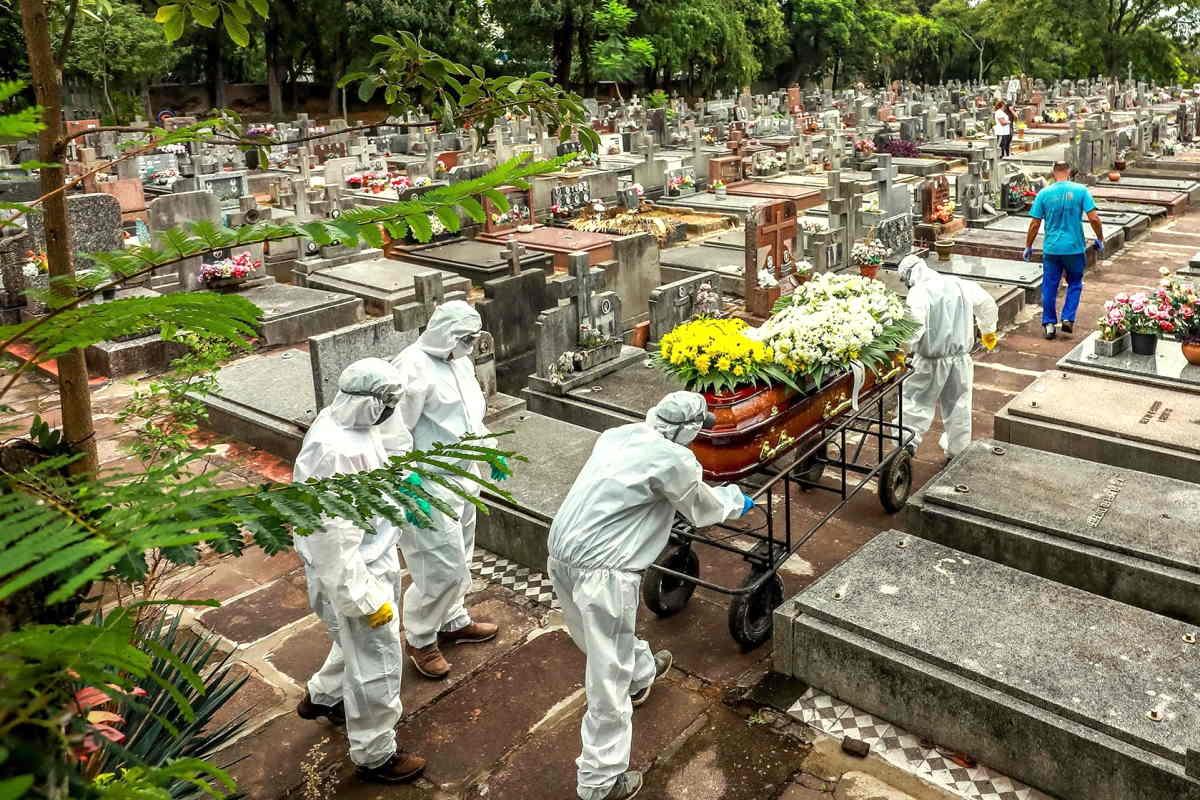 Nuovo record di decessi per Covid in Brasile nelle ultime 24 ore, ma non è certo un caso