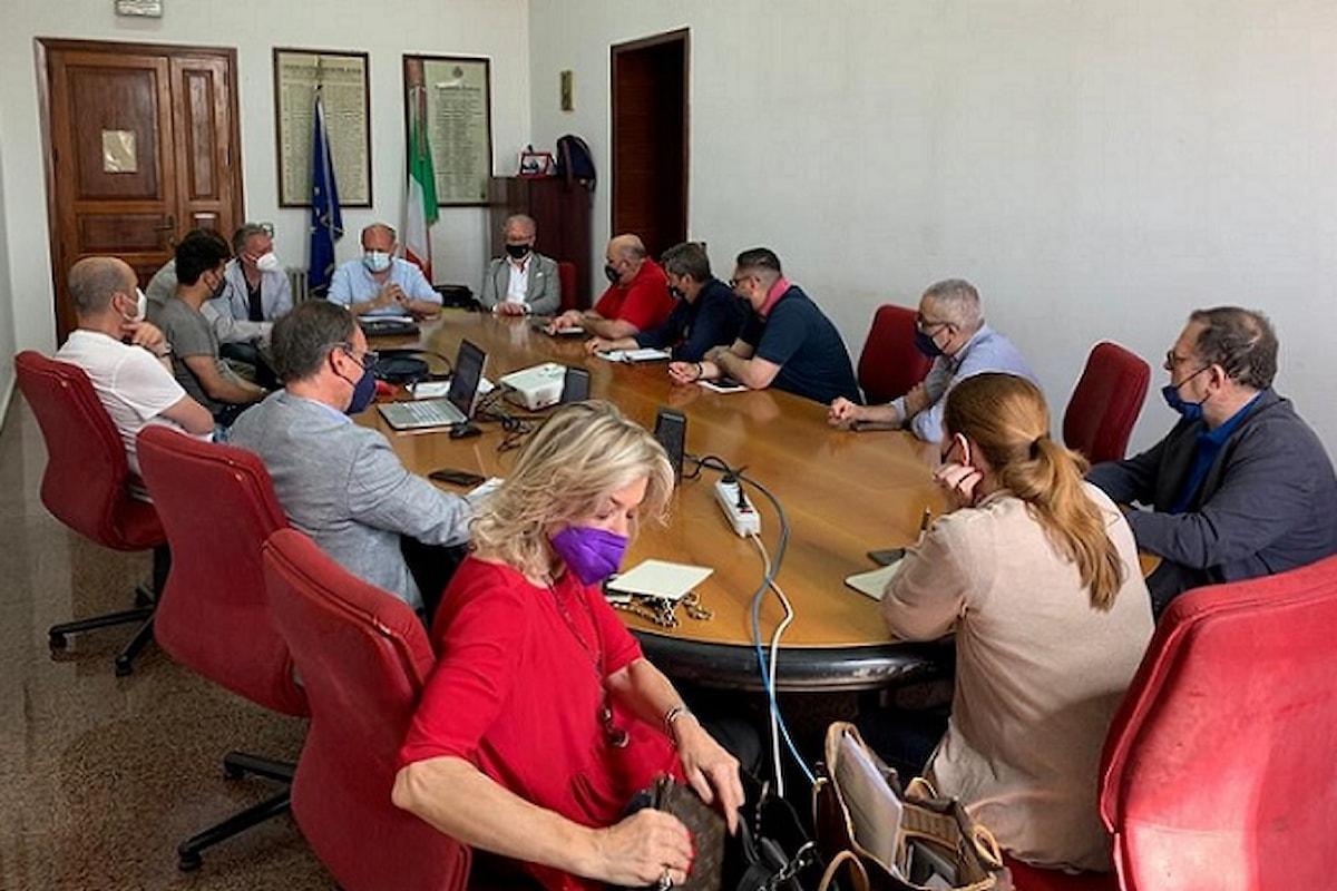 Milazzo (ME) - Riunione tra Amministrazione comunale ed operatori economici