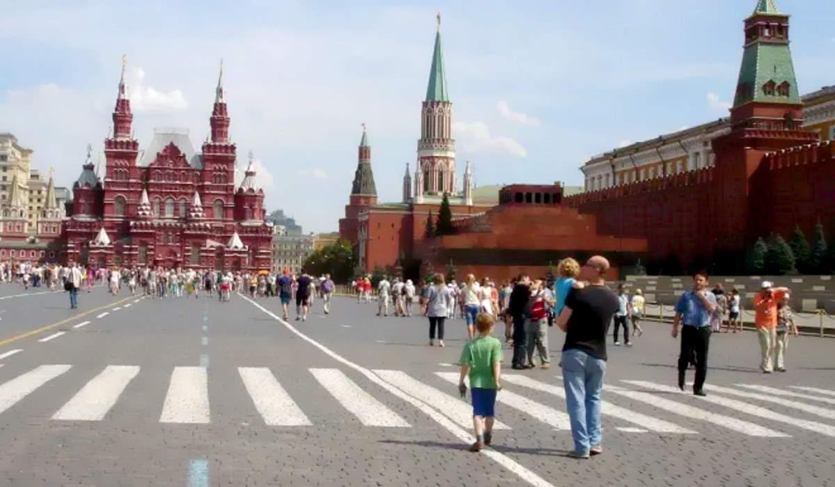 Russia: oltre 10mila i casi Covid nelle ultime 24 ore, il dato più alto dal 7 marzo nelle ultime 24 ore