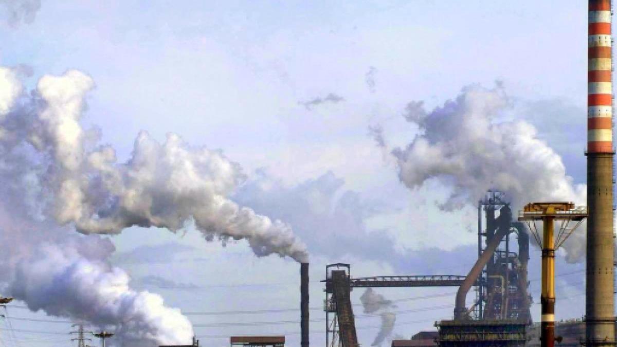 Il Consiglio di Stato ha deciso che lo stabilimento ex Ilva di Taranto può continuare a produrre acciaio... e ad inquinare