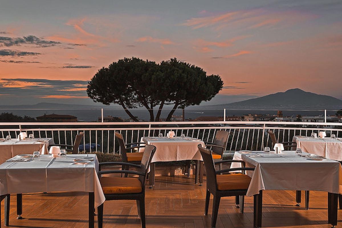 Andrea Gambardella, Carmine Sorrentino e l'art director Nello Simioli @ Terrazza Lounge Bar / Hilton Sorrento Palace, per Sunset Aperitif da sogno, a partire dal 10 giugno