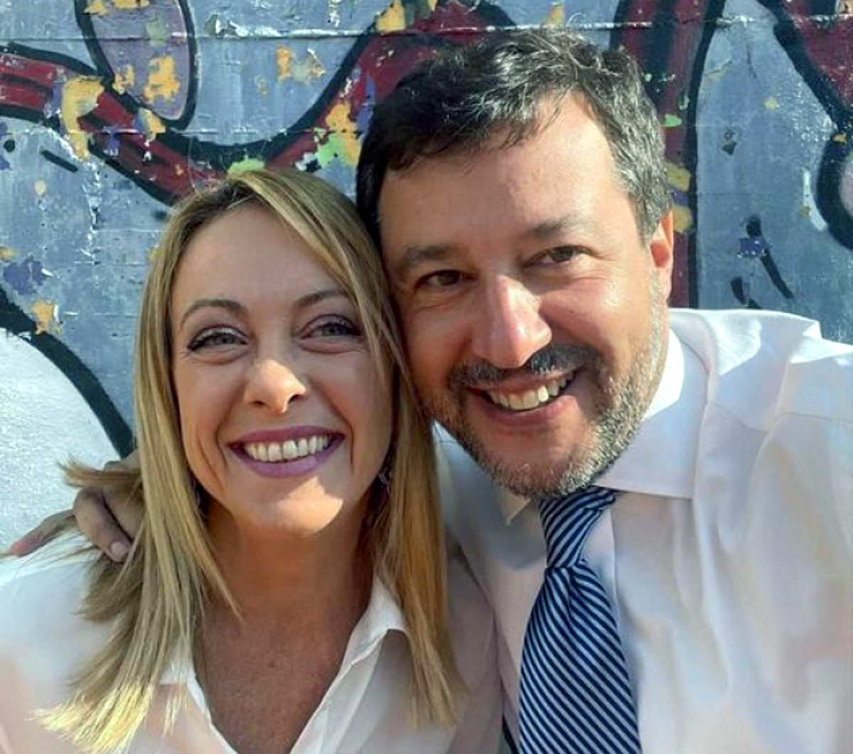 Il silenzio social di Salvini e Meloni sui fatti di Roma
