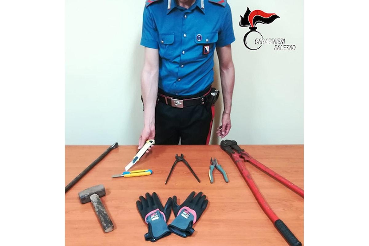 Furto aggravato e possesso di arnesi da scasso, due arresti a Caggiano (SA)