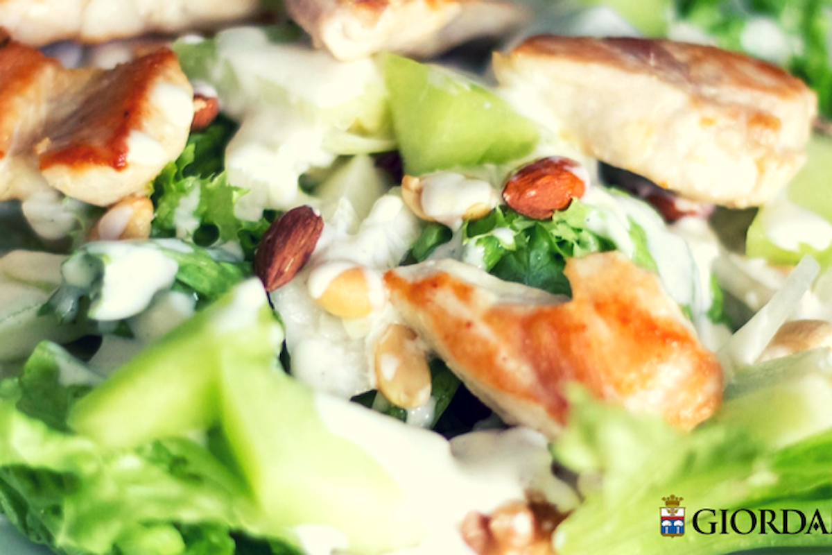 Oggi insalata: 5 ricette sfiziose per mettere in tavola gusto e leggerezza (e con quali vini abbinarle)