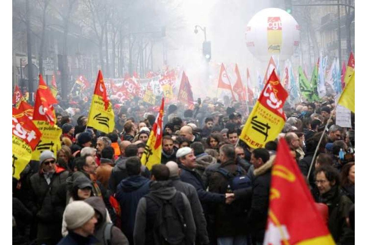 Scioperi a oltranza in Francia contro Macron