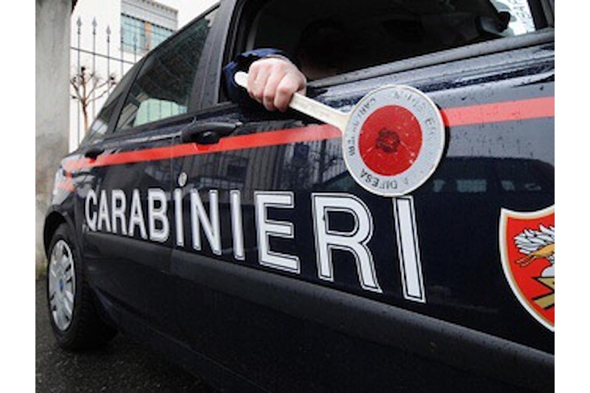 Accoltella la madre, aggredisce il padre, due casi di violenza familiare e due arresti in Cilento